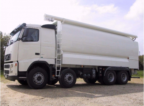 Citerne aliment / porteur 8x4 Volvo